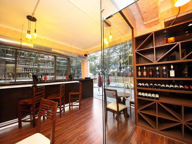 Trois Restaurant & Bar